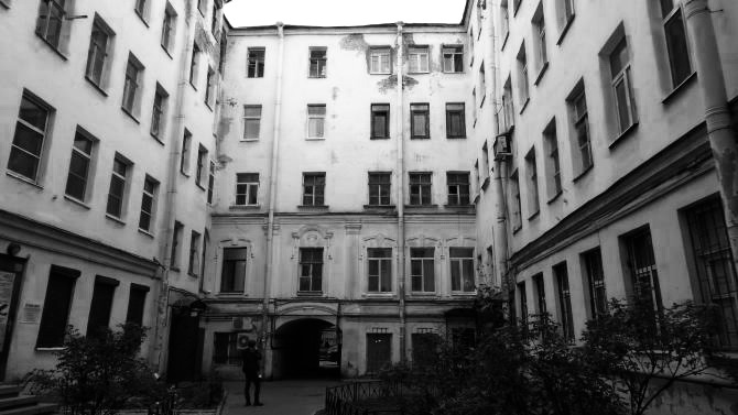 view of courtyard of house on Spassky Lane, St Petersburg